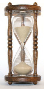 320px-Wooden_hourglass_3